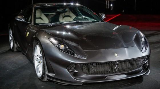 Siêu xe Ferrari 812 Superfast chính thức trình làng tại Đông Nam Á với giá chưa thuế 8,38 tỷ Đồng