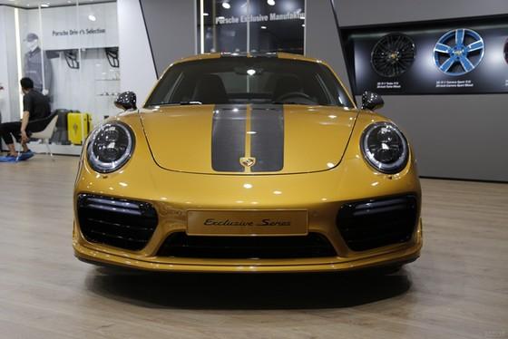 Porsche 911 Turbo S Exclusive Series có giá chỉ hợp với nhà giàu tại đất nước tỷ dân - Ảnh 5.