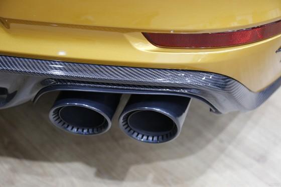 Porsche 911 Turbo S Exclusive Series có giá chỉ hợp với nhà giàu tại đất nước tỷ dân - Ảnh 11.