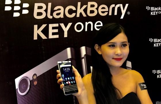 BlackBerry KEYone với giá gần 15 triệu đồng ảnh 2