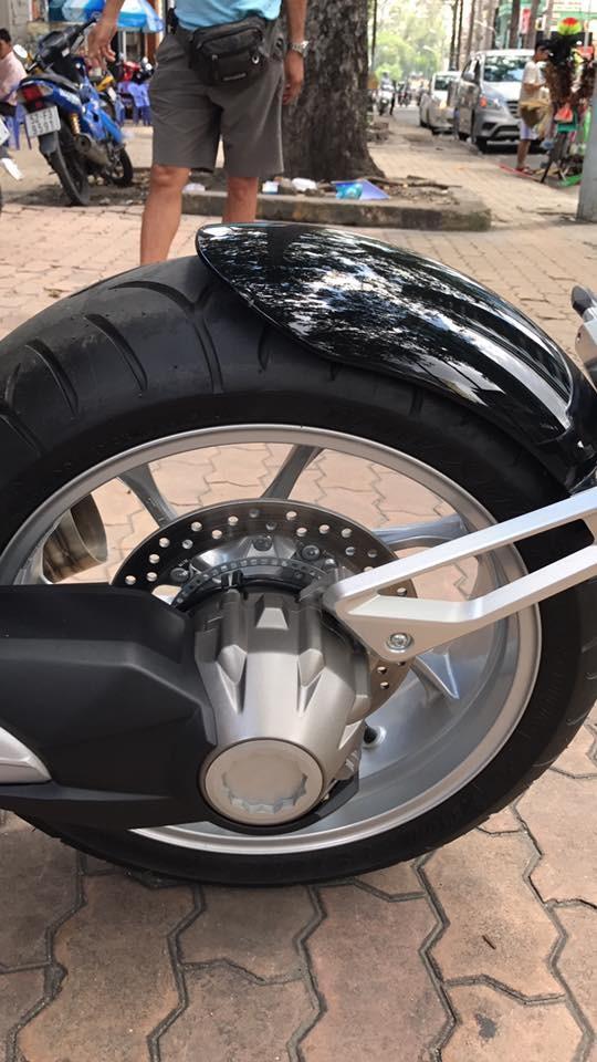 Siêu mô tô tiền tỷ Ariel Ace tái xuất trên phố Sài thành - Ảnh 7.