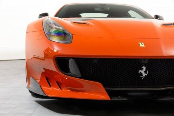 Vẻ đẹp của chiếc Ferrari F12tdf có giá bán siêu đắt đỏ trên thế giới, giá từ 31,8 tỷ Đồng - Ảnh 7.