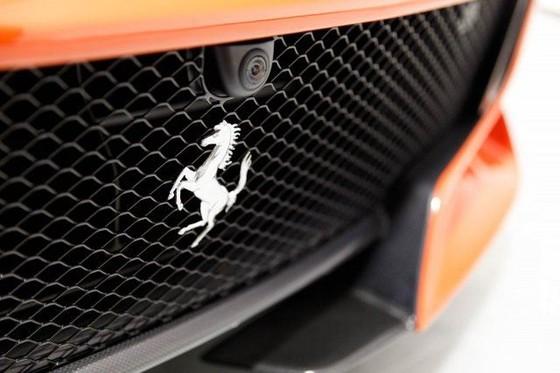 Vẻ đẹp của chiếc Ferrari F12tdf có giá bán siêu đắt đỏ trên thế giới, giá từ 31,8 tỷ Đồng - Ảnh 9.