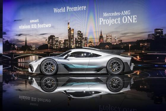 Vẻ đẹp xuất sắc của xe đua Công thức 1 đường phố Mercedes-AMG Project One ngoài đời thực - Ảnh 16.