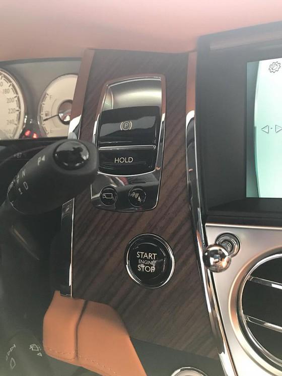 Rolls-Royce Dawn 25 tỷ Đồng bất ngờ xuất hiện tại Sài thành - Ảnh 19.