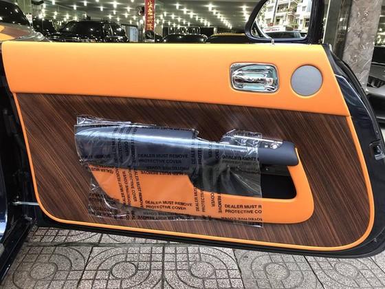 Rolls-Royce Dawn 25 tỷ Đồng bất ngờ xuất hiện tại Sài thành - Ảnh 13.
