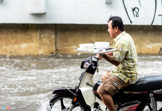 Sieu may bom 'te liet', duong Nguyen Huu Canh ngap hinh anh 5