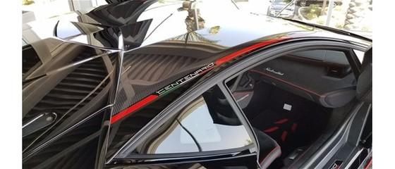 Đây là chiếc Lamborghini Centenario đầu tiên trên thế giới được rao bán - Ảnh 10.