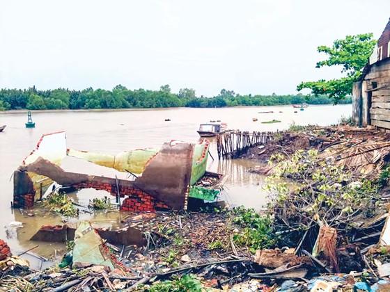 Gia tăng hiểm họa sạt lở ven sông  ảnh 1