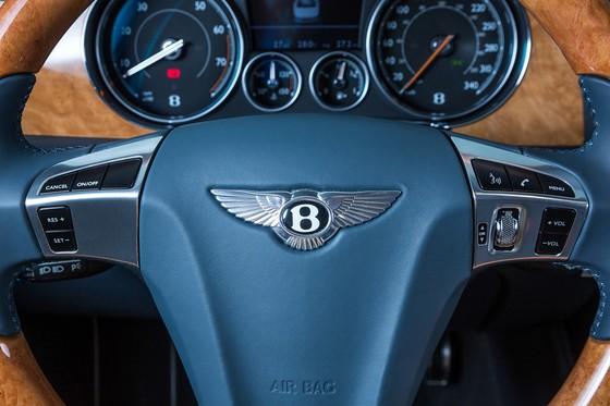 Xe sieu sang Bentley Flying Spur hang doc tai Viet Nam hinh anh 6