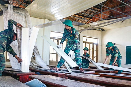 Khánh Hòa, Phú Yên - dồn sức khắc phục hậu quả bão ảnh 6