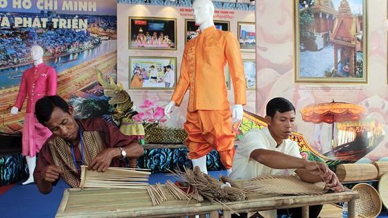 Tưng bừng ngày hội văn hóa Khmer Nam bộ - Ảnh 8.