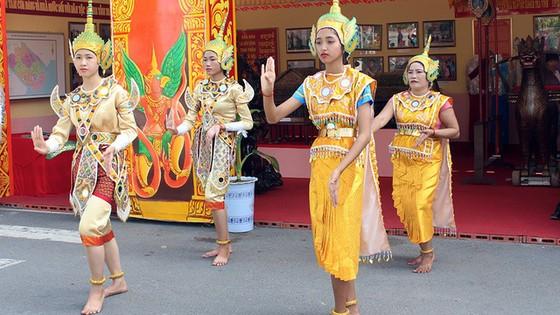 Tưng bừng ngày hội văn hóa Khmer Nam bộ - Ảnh 9.