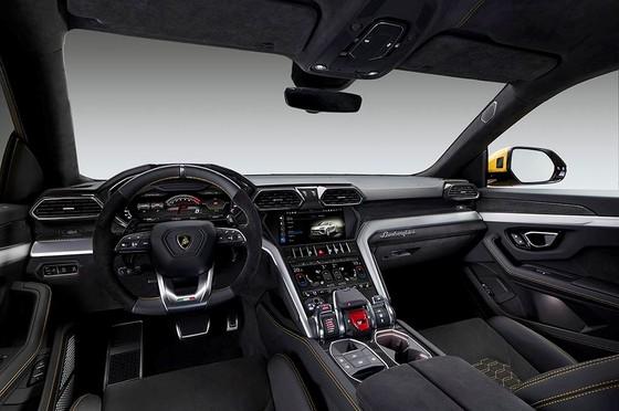Chính thức ra mắt siêu SUV Lamborghini Urus, giá từ 200.000 USD ảnh 14