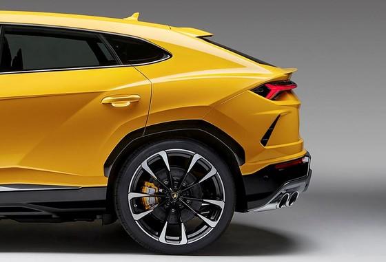 Chính thức ra mắt siêu SUV Lamborghini Urus, giá từ 200.000 USD ảnh 22