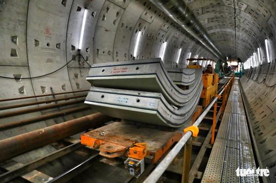 Ngắm đường hầm metro thứ 2 sắp hoàn thành dưới lòng đất - Ảnh 3.
