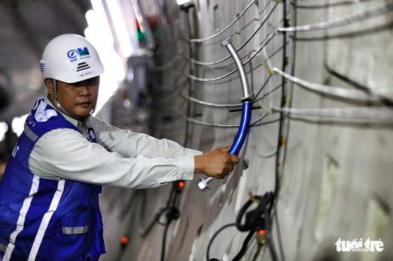 Ngắm đường hầm metro thứ 2 sắp hoàn thành dưới lòng đất - Ảnh 9.