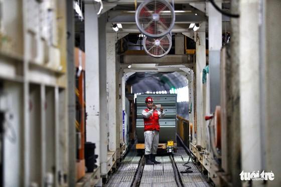 Ngắm đường hầm metro thứ 2 sắp hoàn thành dưới lòng đất - Ảnh 11.
