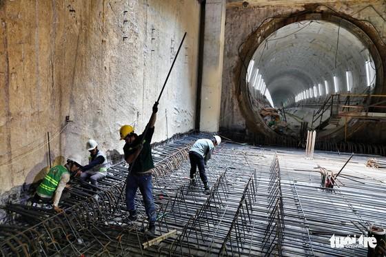 Ngắm đường hầm metro thứ 2 sắp hoàn thành dưới lòng đất - Ảnh 13.