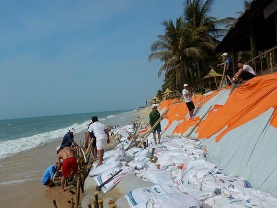"""Nhiều khu du lịch ở """"thủ đô resort"""" phải đóng cửa vì bị biển xâm thực ảnh 2"""