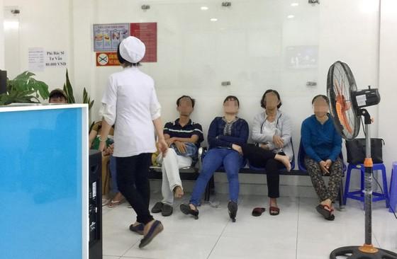 Cảnh giác với cò Bệnh viện Đại học Y dược TP.HCM - Ảnh 2.