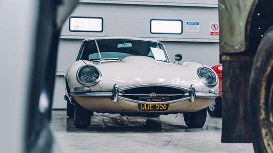 Đây là kho tàng xe cổ bí mật của Jaguar Land Rover - Ảnh 23.
