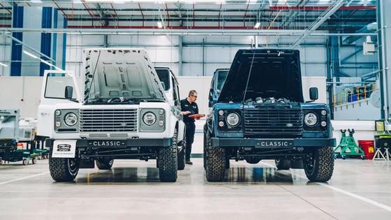 Đây là kho tàng xe cổ bí mật của Jaguar Land Rover - Ảnh 1.