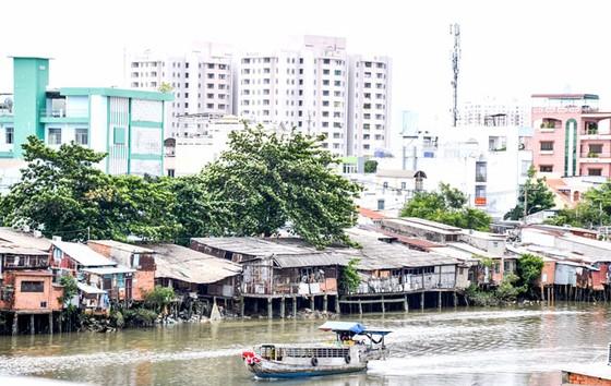 Nan giải lấn sông, lấp kênh rạch (B1): Sống trong âu lo, ô nhiễm ảnh 1