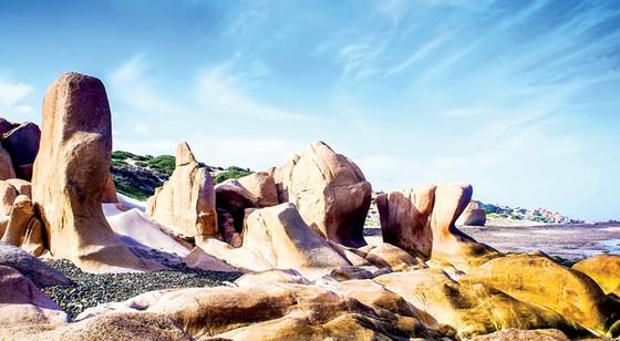 Tuyệt cảnh bờ biển Nam Trung Bộ ảnh 8
