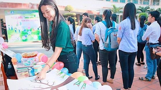 Ngọc Huyên tham gia Ngày hội Sinh viên 5 tốt (năm học 2017-2018)