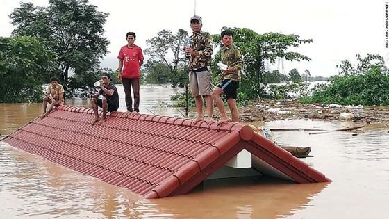 Người dân khu vực hạ lưu được thông báo sơ tán trước khi xảy ra sự cố vỡ đập thủy điện Sepien Senamnoi? ảnh 2