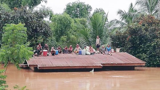 Người dân khu vực hạ lưu được thông báo sơ tán trước khi xảy ra sự cố vỡ đập thủy điện Sepien Senamnoi? ảnh 5