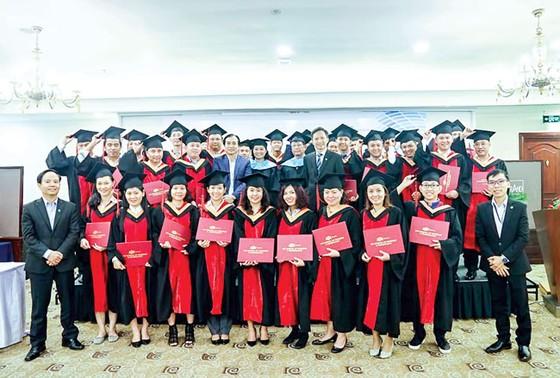 3 năm liên tiếp vinh danh thương hiệu tuyển dụng tốt nhất châu Á ảnh 1