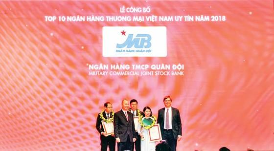 MB thăng hạng Top 10 NHTM Việt Nam uy tín 2018 ảnh 1