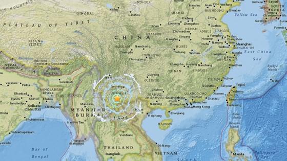 Người dân Hà Nội nhốn nháo vì dư chấn động đất ảnh 7