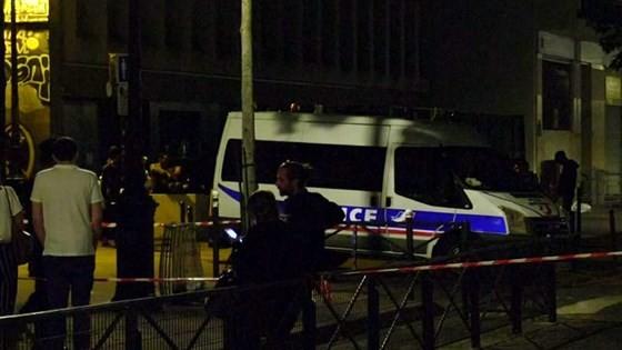 Tấn công bằng dao tại thủ đô Paris, Pháp, nhiều người bị thương ảnh 4