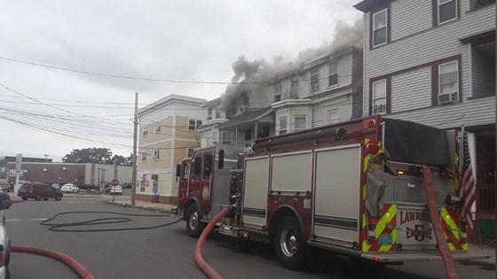 Mỹ: Hàng chục vụ nổ khí ga ở ngoại ô Boston, ít nhất 6 người bị thương ảnh 7