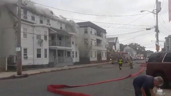 Mỹ: Hàng chục vụ nổ khí ga ở ngoại ô Boston, ít nhất 6 người bị thương ảnh 6