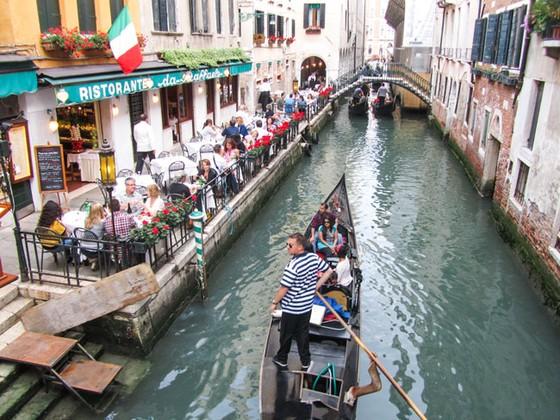 Italia: Siết khách du lịch  ảnh 1