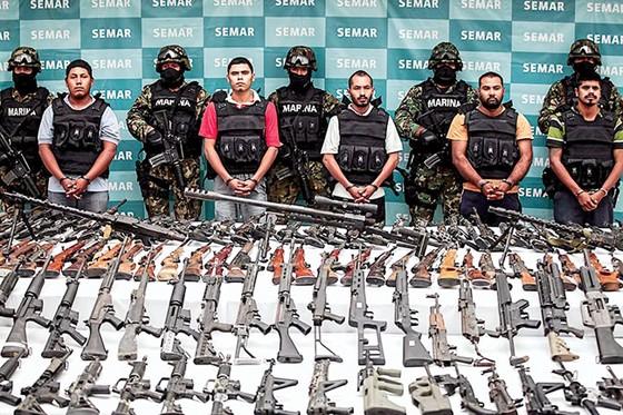 Buôn lậu vũ khí hốt bạc:Trên mọi nẻo đường ảnh 1