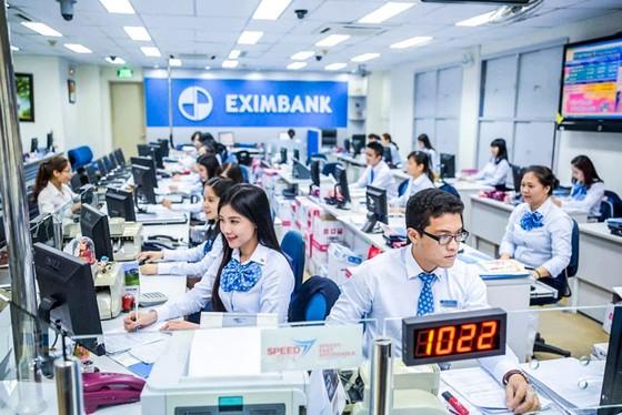 VCB thoái vốn MBB và EIB ảnh 1