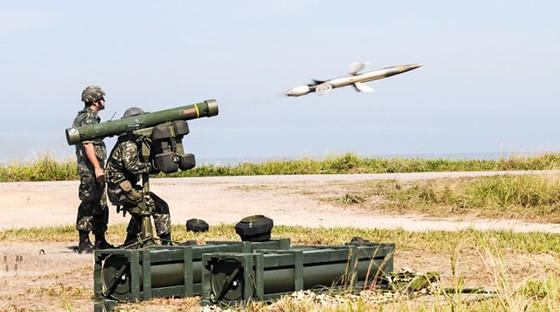 Buôn lậu vũ khí hốt bạc: Chợ vũ khí trực tuyến ảnh 1
