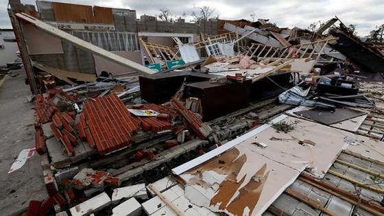 Siêu bão Michael tấn công Florida: 17 người chết, một căn cứ quân sự bị san bằng, cả thị trấn bị xóa sổ ảnh 25