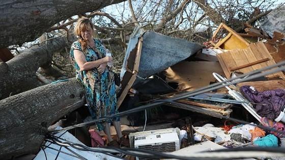 Siêu bão Michael tấn công Florida: 17 người chết, một căn cứ quân sự bị san bằng, cả thị trấn bị xóa sổ ảnh 28
