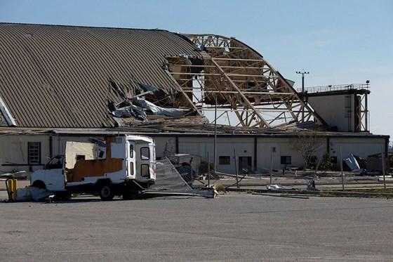 Siêu bão Michael tấn công Florida: 17 người chết, một căn cứ quân sự bị san bằng, cả thị trấn bị xóa sổ ảnh 17