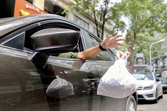 Rác thải làm bẩn môi trường sống ảnh 2