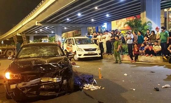 Hiểm họa, ma men lái xe, tai nạn ngã tư Hàng Xanh, xe BMW, bức xúc ảnh 1