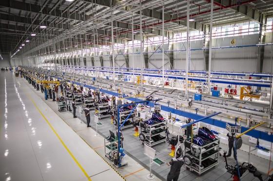 Vinfast khánh thành nhà máy sản xuất và ra mắt mẫu xe máy điện thông minh ảnh 3