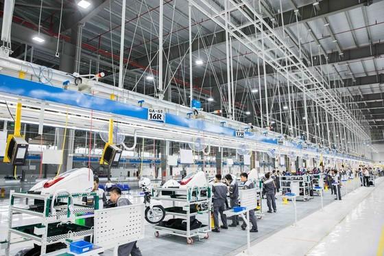 Vinfast khánh thành nhà máy sản xuất và ra mắt mẫu xe máy điện thông minh ảnh 4