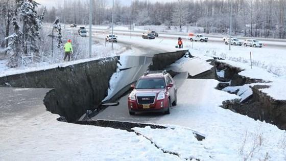 Động đất làm rung chuyển thành phố Anchorage, bang Alaska ảnh 2